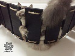 Ponte per gatti con intagli